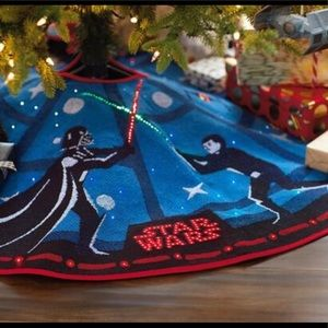 Star Wars The Force Is Strong Tree Skirt W/ Light